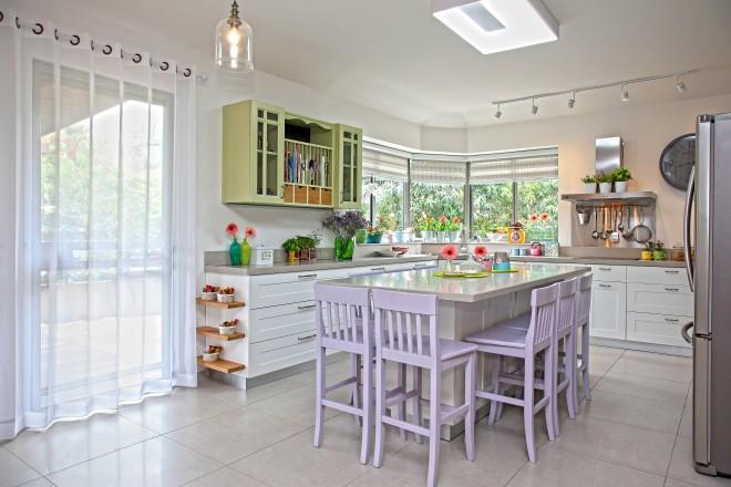 זיתות המטבח הוחלפו, אי גדול נבנה לארוחות משפחתיות