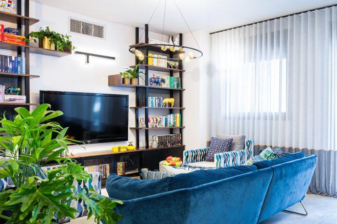 ספה מדהימה מדגם ״ניו יורק״ של טולמנס, כורסאות בעיצוב שלי